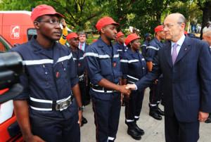 Illust: Rencontre d'Alain Juppé avec des policiers (...), 176.6 ko ...