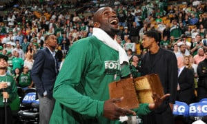 Kevin Garnett explains how the Celtics are like a cake