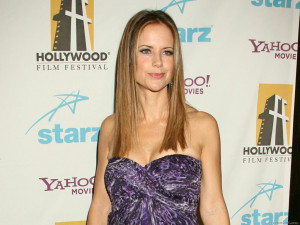 Kelly Preston Wallpaper