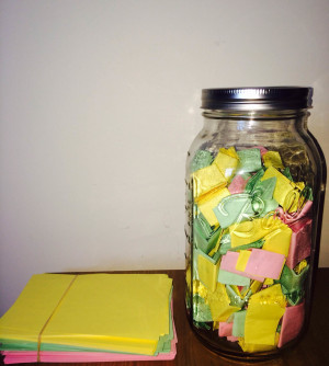 He Wrote His Girlfriend 365 Love Notes In A Jar. It Transformed Both ...