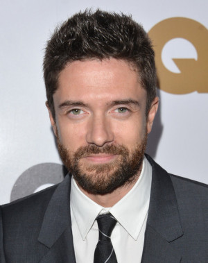 in this photo topher grace actor topher grace arrives at the gq men ...