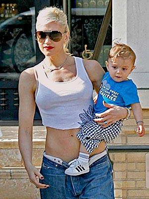 ... kiss gets an Oscar-winning endorsement. Plus: Gwen Stefani and others