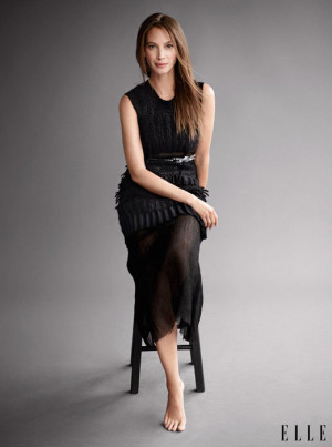 Christy Turlington Poses for Elle, Says She Embraces Getting Older