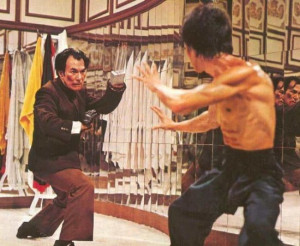 Enter the Dragon - Han battles Lee
