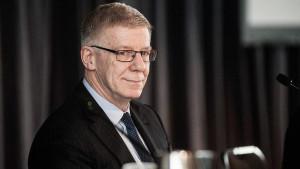 Don Argus says Glencore's Rio bid faces big hurdle