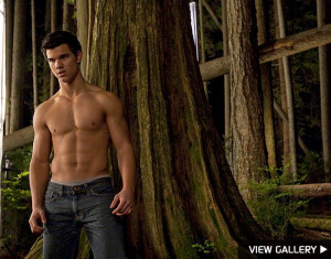 Taylor Lautner 'Embarrassed' by Body Attention