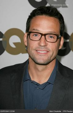 Josh Hopkins as Grayson from Cougartown looking snazzy in bold ...