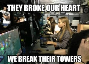 Funny-Pictures-MEME-Gamer-girls-be-like.jpg