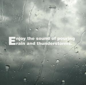 Enjoy the sound of pouring rain and thunderstorms. Aproveite o som da ...