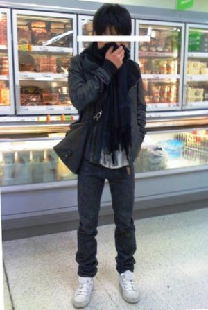 Sky Li - Mulberry Leather Bag, Dior Homme Jeans, Ann Demeulemeester ...