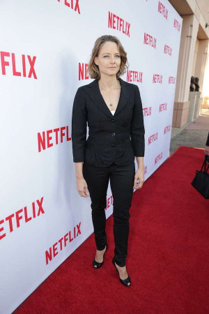 """Jodie Foster and Taylor Schilling talk """"Women Ruling TV"""" at ..."""