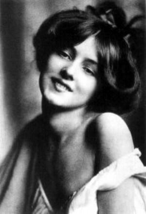 Evelyn Nesbit, appearing in Cosmopolitan Magazine, 1901. Photo: unkc ...