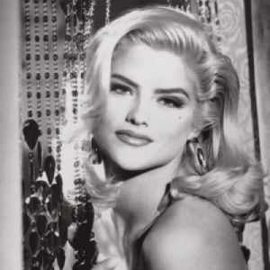 Anna Nicole Smith | $ 450 Million