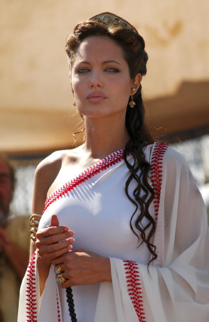 Angelina Jolie in 'Cleopatra: 3D' is really going to happen, isn ...