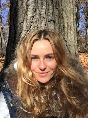 Valentina Zelyaeva Pictures