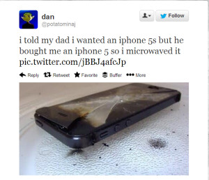 10 Ungrateful Teens Who Didn't Get An iPhone or iPad For Christmas ...