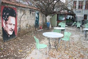 Nazim Hikmet tea garden in Kadikoy. Photo: Slawomira Kozieniec