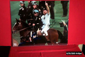 WADE BOGGS 16X20 SPECIAL AUTOGRAPHED 1996 WORLD SERIES PICTURE ON THE