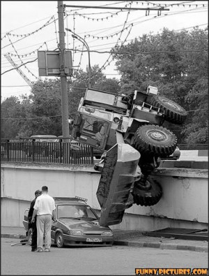 ... .net/images/2011/05/02/funny-car-accident-tractor_130434701342.jpg