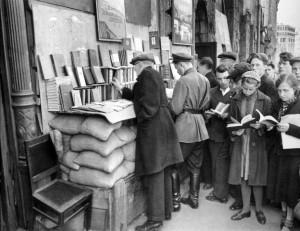 Margaret Bourke-White: Street bookstalls on Kuznetsky street , Moskow ...