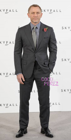 daniel oPt Daniel Craig Suit