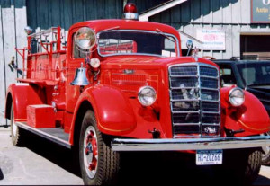 old fire truck pictures, photos of old fire engines