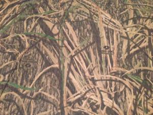 mossy oak shadow grass camo pattern