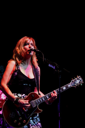 the bangles play sydney in this photo vicki peterson vicki peterson of