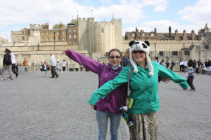 The girls at the entrance to the Tower of London. We walk through this ...