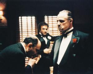 """Ona reddedemeyeceği bir teklif sunacağım"""" ( Don Vito Carleone)"""