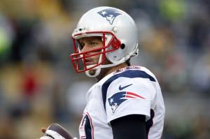 Nov 30, 2014; Green Bay, WI, USA; New England Patriots quarterback Tom ...