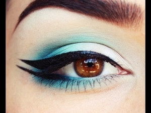 Double Winged Eyeliner Tutorial 2014-2015 For Women [So Easy To Apply]