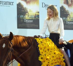Dakota Fanning Hounddog Bath 31 A Cavallo Pe picture