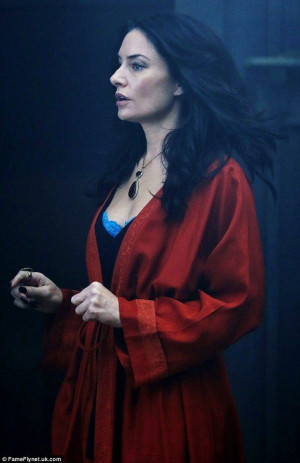 The lovely actress Madchen Amick plays Wendy