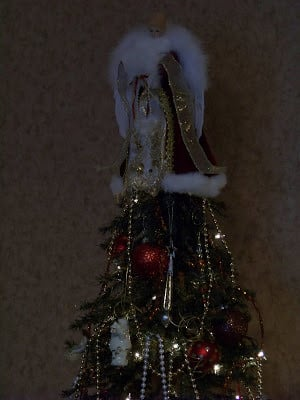Now my dining room tree. This adds some sparkle to the room. I love ...