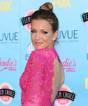 Katie Lowes Hairstyle Side
