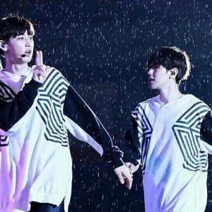 lay baekhyun chen chanyeol kyungsoo tao kai sehun galaxy