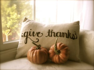 Giving Thanks: Thankful Decor & Family Customs