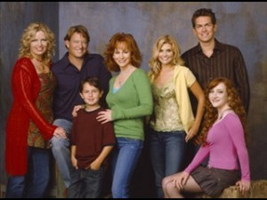 The-cast-of-Reba-reba-tv-show-3592709-320-240.jpg