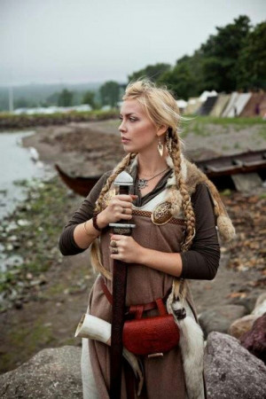 Shorts Hair, Vikings Woman, Medieval Fashion, Viking Woman, Warriors ...