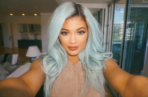 Kylie Jenner Graduated High School, And Her Tweets About It Will Make ...