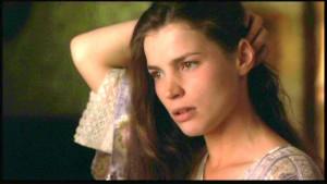 Julia Karin Ormond nació en Surrey, Inglaterra el 4 de enero de 1965.