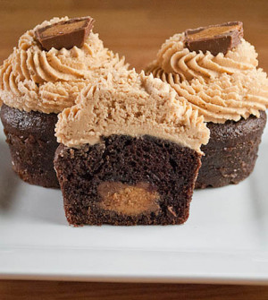 Gourmet Reese's Peanut Butter Cup Cupcakes1