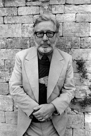 laurie lee pictures and photos back to poet page laurie lee 1914 1997