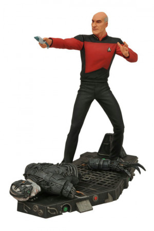 Star Trek Select Captain Picard by Diamond Select Toys, retail price ...
