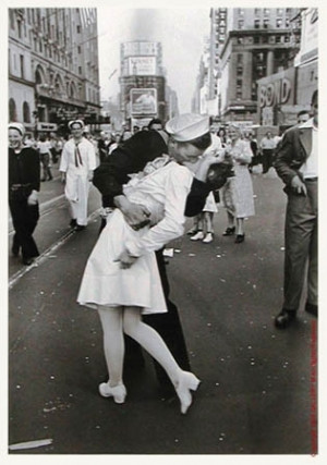 alfred eisenstaedt, kiss, sailor, separate with comma, times square ...
