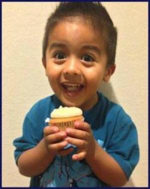 Viral Video Mateo Linda Cupcakes Viral Video: 3 year old Mateo and his ...