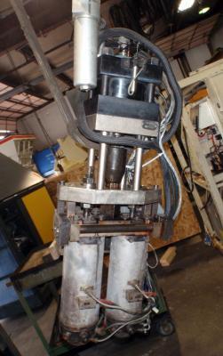 Bekum 2BKZ75 Dual Molding Machine Head Front