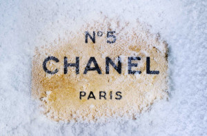 Chanel 5 Winter Wallpaper