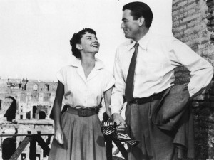Audrey Hepburn laughing with Gregory Peck in Rome on the set of Roman ...